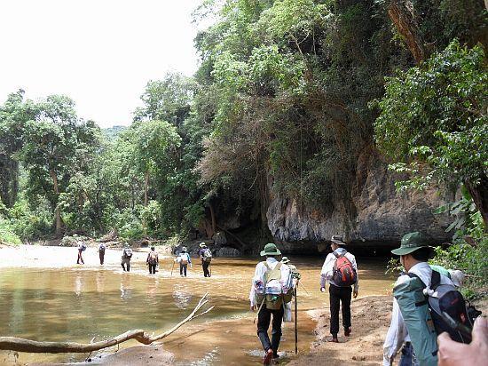 Kinh nghiệm khi đi trekking Phong Nha Kẻ Bàng