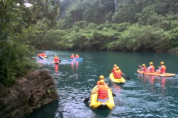 Suối Nước Moọc, tour du lịch Quảng Bình