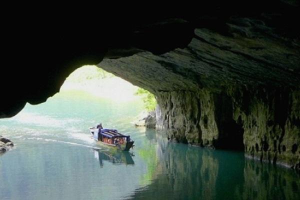 Phong Nha Cave and Botanic Garden Tour