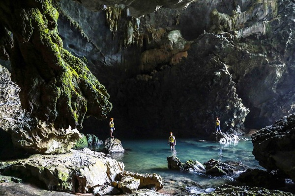 Survival Valley and Ha Ma Da 2 Days 1 Night Tour, tour du lịch Quảng Bình
