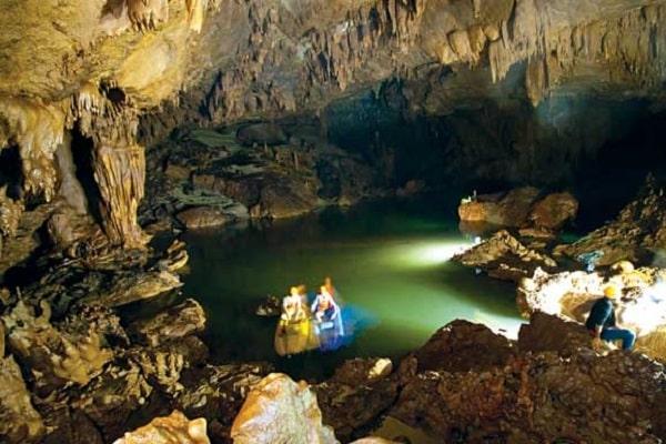 Tour Thung lũng sinh tồn – hang Thuỷ Cung 1 ngày