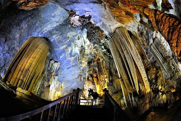 Paradise cave - Vung Chua - Dao Yen
